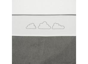 Meyco Katoenen laken Little clouds - wolkjes grijs 75x100 cmMeyco Katoenen laken Little clouds - wolkjes grijs 75x100 cm